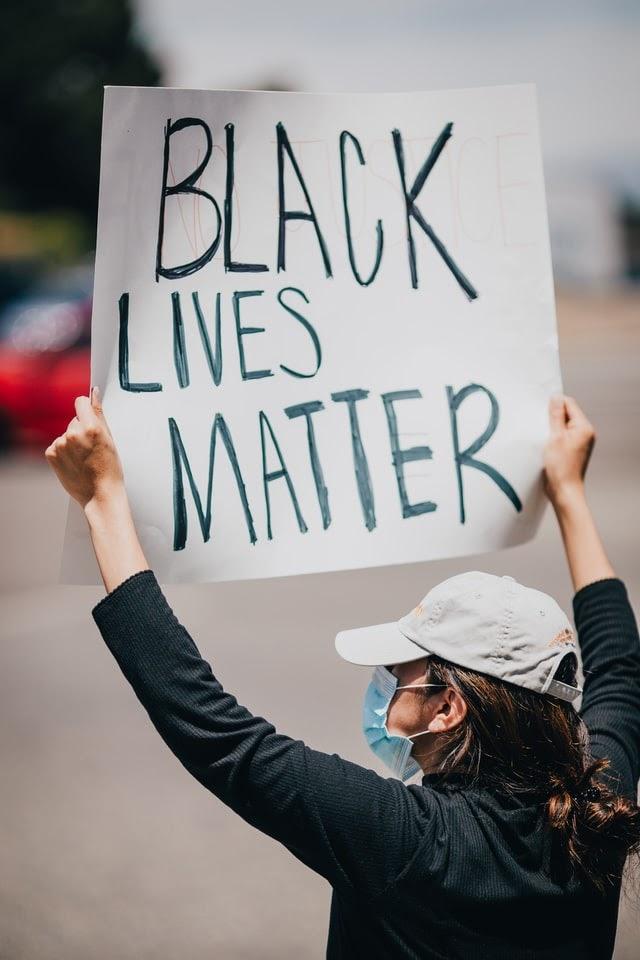George Floyd öldürüldü - Black Lives Matter